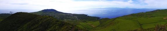 Panoramablick vom Pico Timao - unvergesslich! Blick in die Caldeira und zu den Nachbarinseln