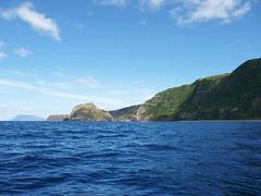 Flores' Westküste mit Ponta do Albarnaz und Corvo