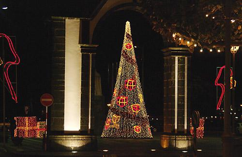Weihnachtsbeleuchtung in Ponta Delgada
