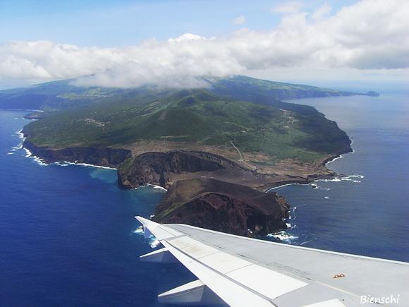 Capelinhos und die Vulkankette