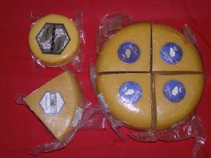 Verschiedene Käsesorten von den Azoren