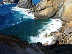 Abstieg zur Bucht Agua Quente