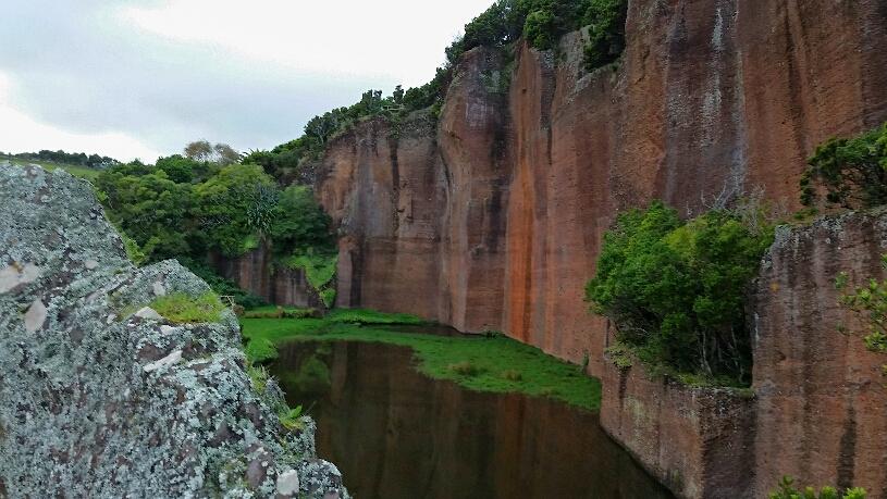 Pico vermelho mit Teich